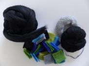 Materialien: Austalische Merino (20 mic), Vorfilzquadrate, Follfasern (Mohair-/Seidengemisch)