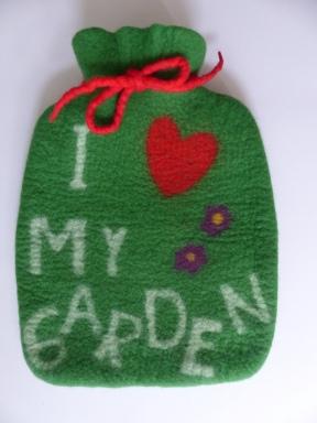 """Vorderseite der Wärmflasche """"gardening"""""""