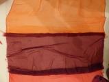 Die Nahtstellen werden übereinander gelegt (ca. 1,5cm Überlappung)...