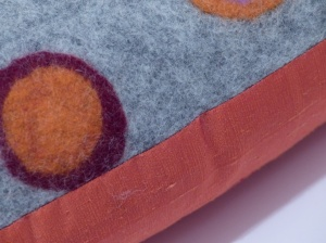 "Kissen ""coloured dots collection"" Detail"