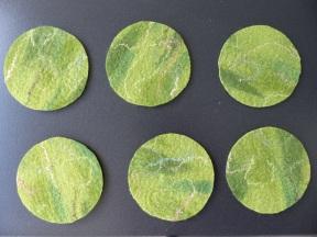 Wenn das Filzteil trocken ist, kann Kreise schneiden.